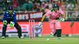 Farhaan-Behardien-in-action-during-South-Africas-fourth-ODI-against-England-1024x576